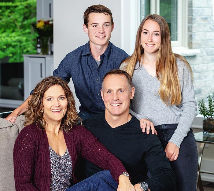 Chiropractor Barrie ON Dr. Snelgrove and Family